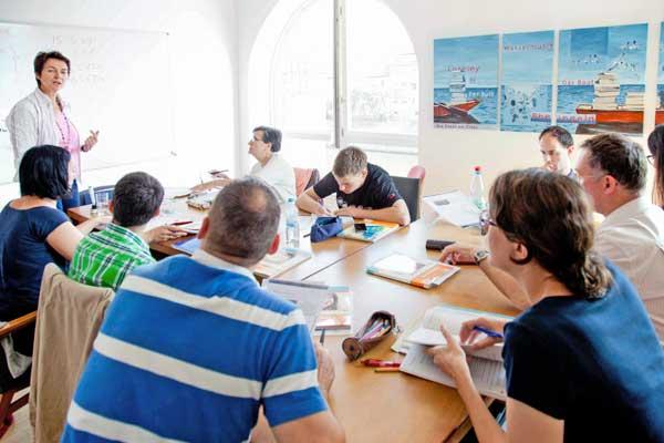 Blick in einen Unterrichtsraum des Sprachinstituts TREFFPUNKT